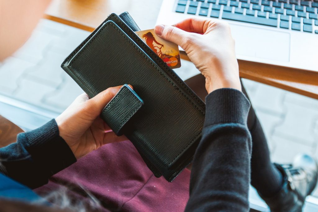 The Best Credit Cards in the Philippines for Online Shopping 2019